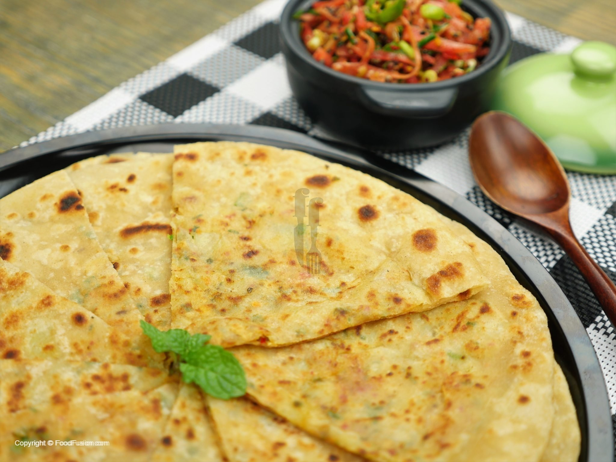 how to make aloo ka paratha